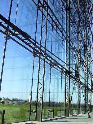 モエレ沼公園|ガラスのピラミッド|HIDAMARI