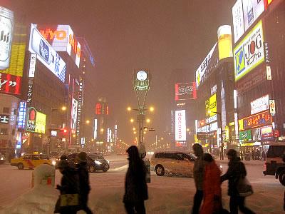 写真(ススキノ交差点)